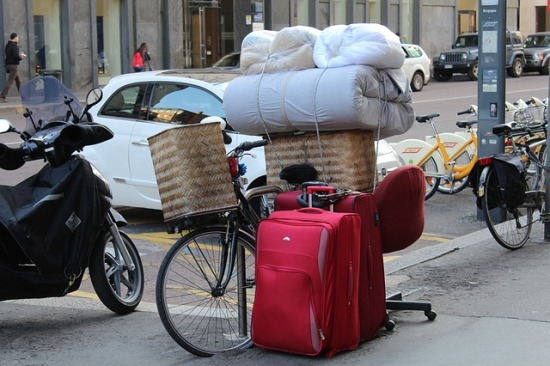 moving-by-bike-680224_640